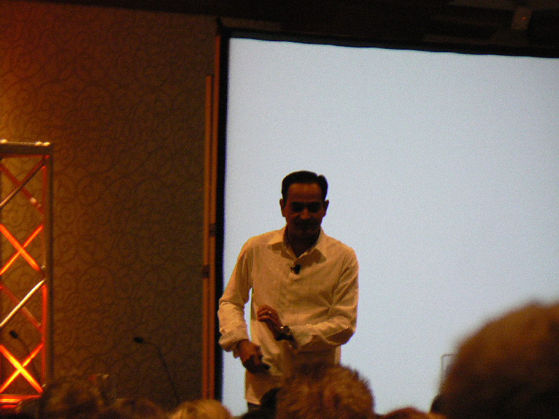Avinash Kaushik speaks about attribution at SES New York 2012
