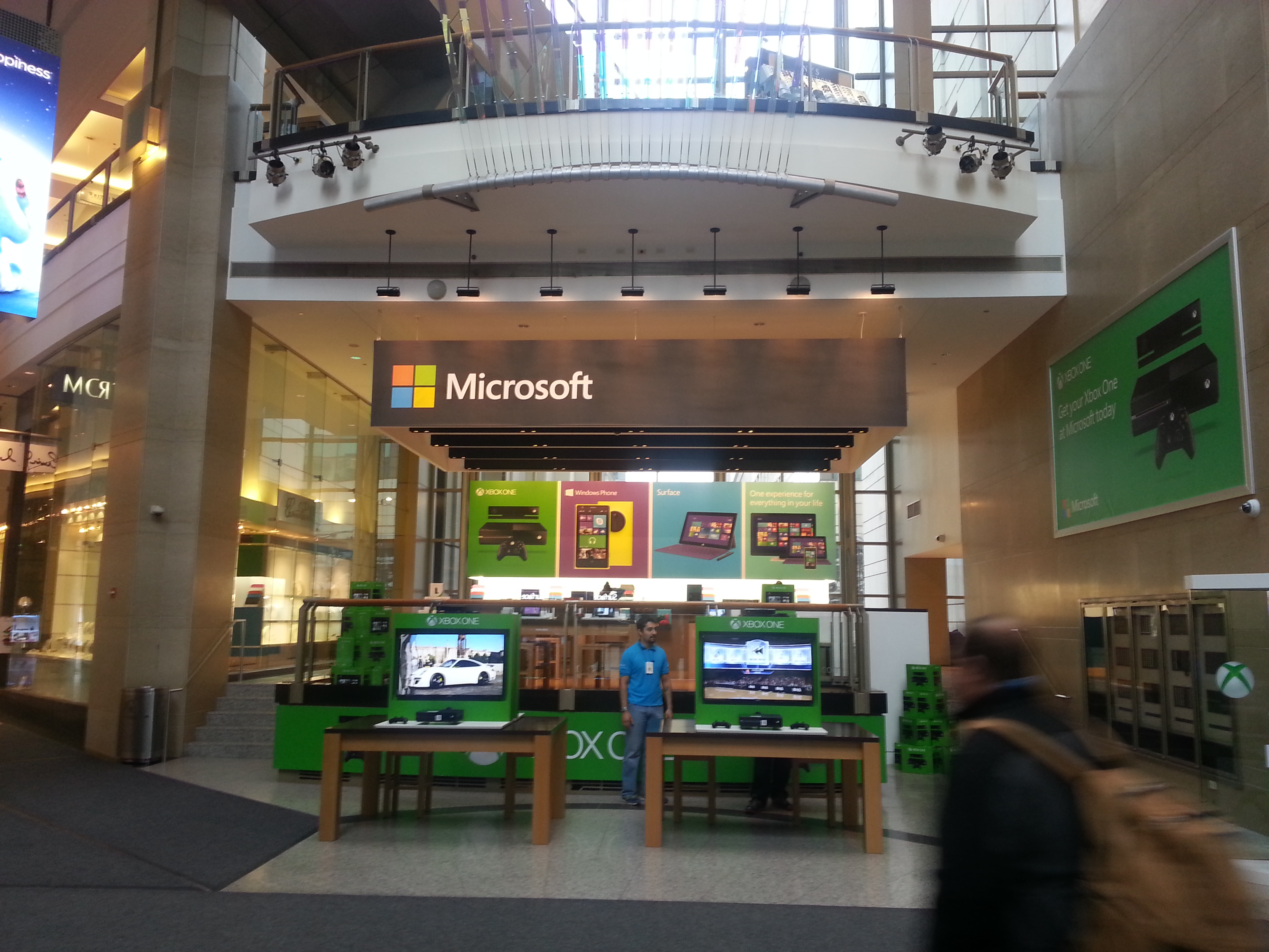 Microsoft stores cross channel showrooming and the value of physical